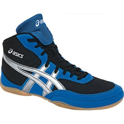 Wrestling shoes are all made to be unisex; you won't see differences in male vs. female styles like you would with running shoes, sneakers, or swanky dress shoes. However, the sizing on the tags is based on the men's size chart.