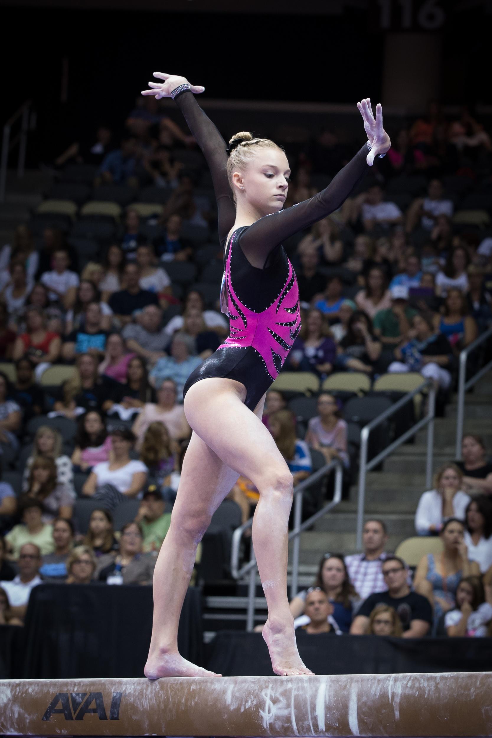 understanding the e score in elite gymnastics balance beam